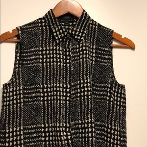 J.Crew sleeveless printed button front blouse